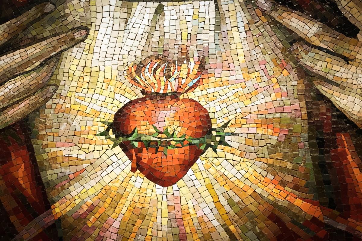 Mosaico del Sagrado Corazón de Jesús. Foto Cathopic