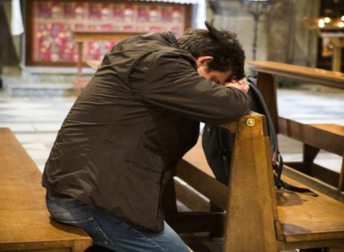 Oración para pedir trabajo y superar las dificultades económicas