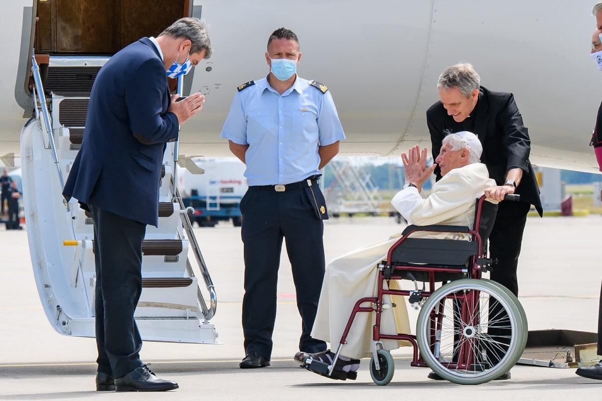 El Papa Benedicto volvió a Roma. Foto: Twitter @Markus_Soeder