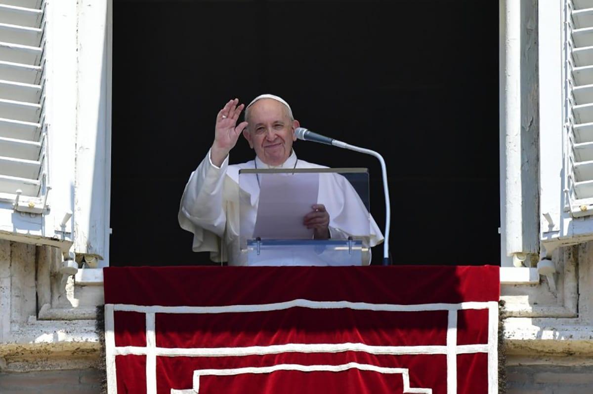 El Papa Francisco preside el Ángelus. Foto: Vatican Media.