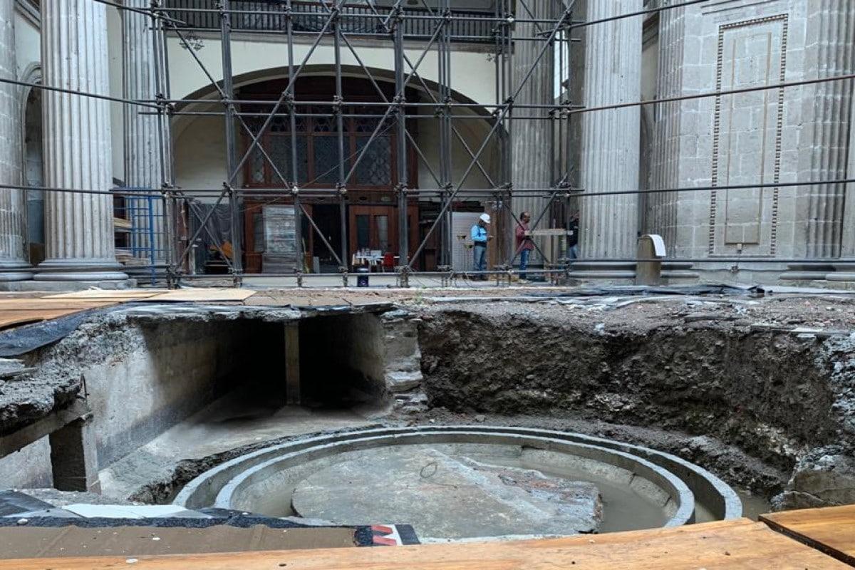 Daños en el piso del templo por el desprendimiento de la cúpula en 2017. Foto: P. Salvador Barba /Cortesía