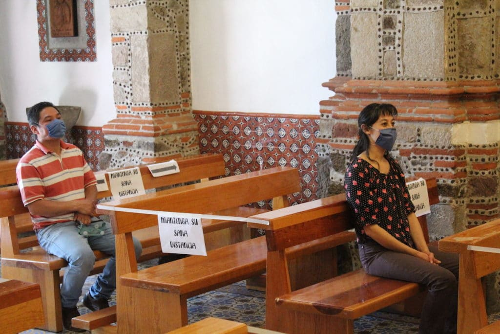 Medidas de sanidad en las parroquias. Foto: Miguel Ávila
