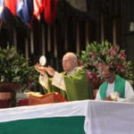 Homilía del Arzobispo Aguiar: ¿Qué es la Eucaristía?