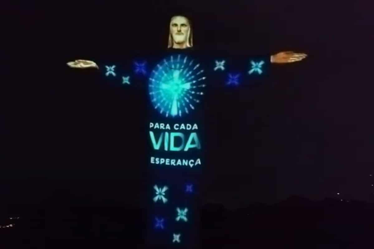 El Cristo Redentor fue iluminado por segunda vez. Foto: Youtube/caristasbrasil