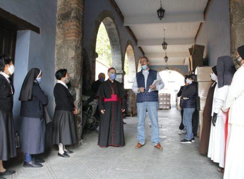 Arquidiócesis de México reparte despensas a sacerdotes y religiosas