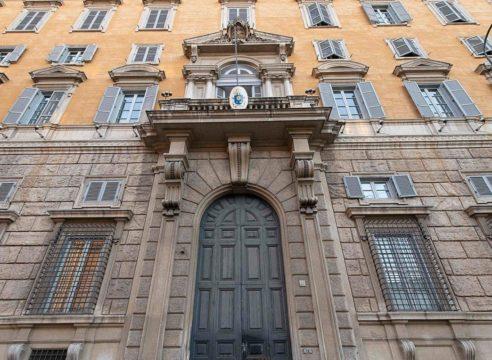 Santa Sede: Iglesia, sin potestad para bendecir las uniones homosexuales
