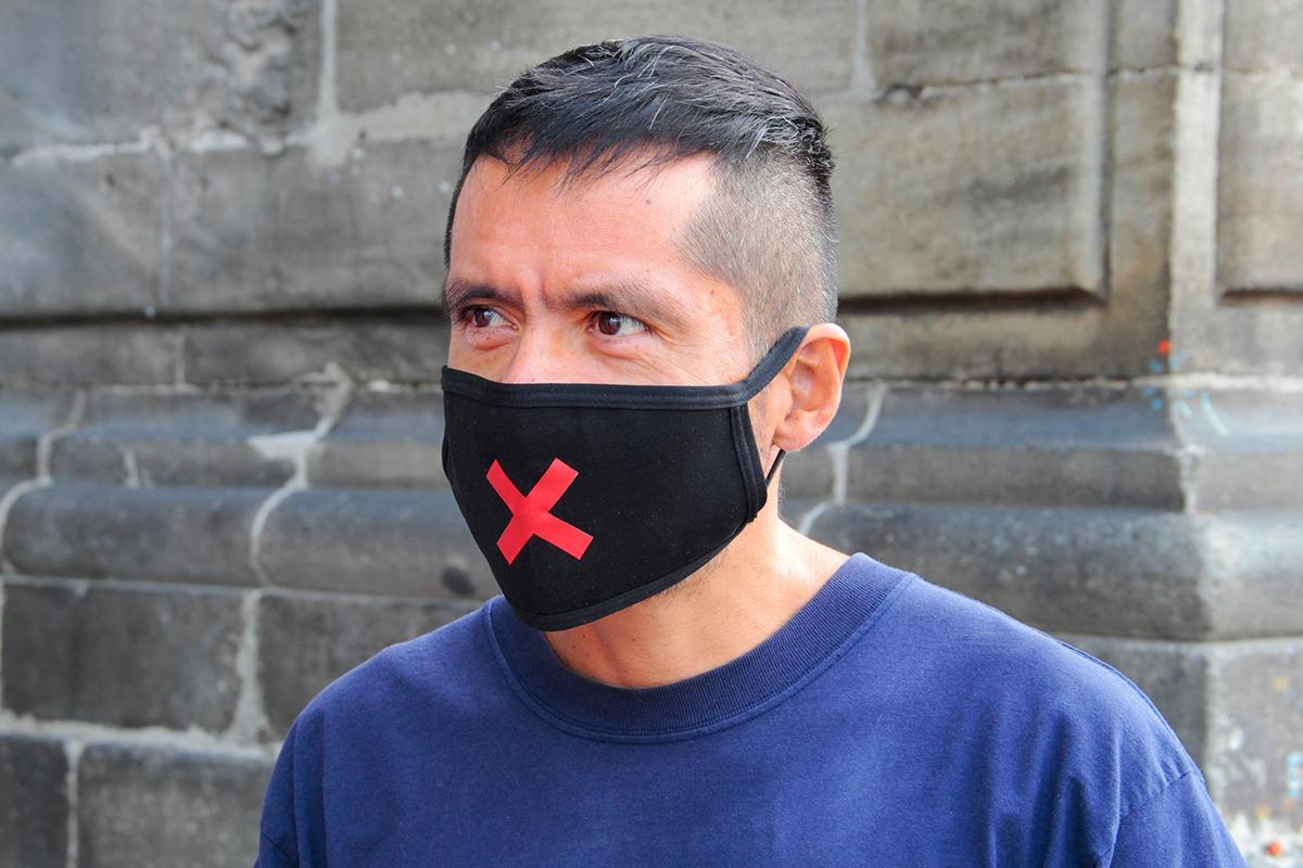 Eduardo Flores, feligrés, acudió a la Catedral para dar gracias por su salud. Foto. Vladimir Alcántara/Desde la fe.