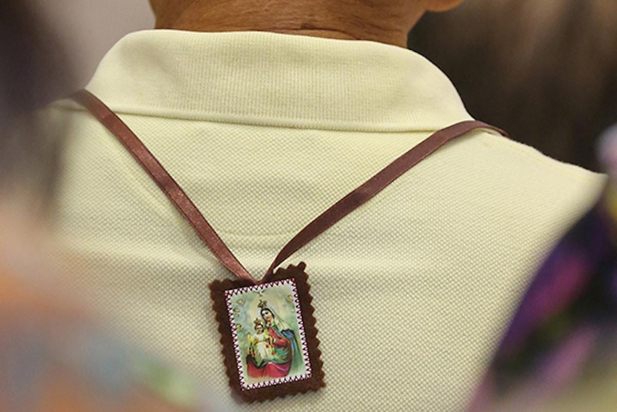 Escapulario de la Virgen del Carmen.