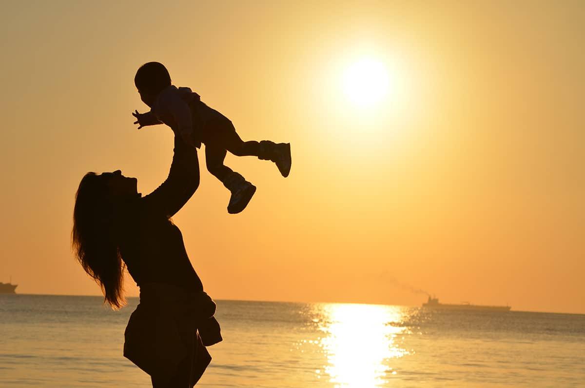 El amor es un valor que se transmite en la familia. Foto: Cathopic.
