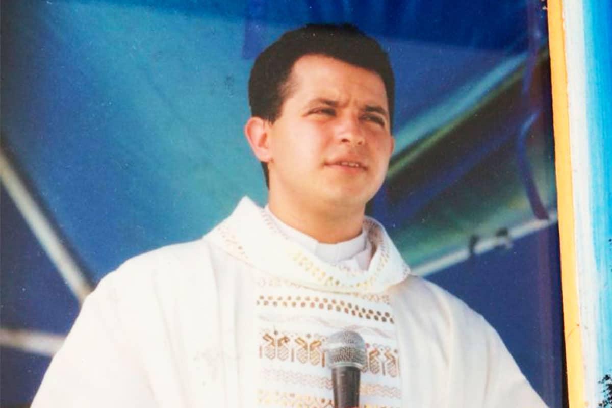 Padre Juan Jesús Priego en su Cantamisa. Foto: Cortesía.