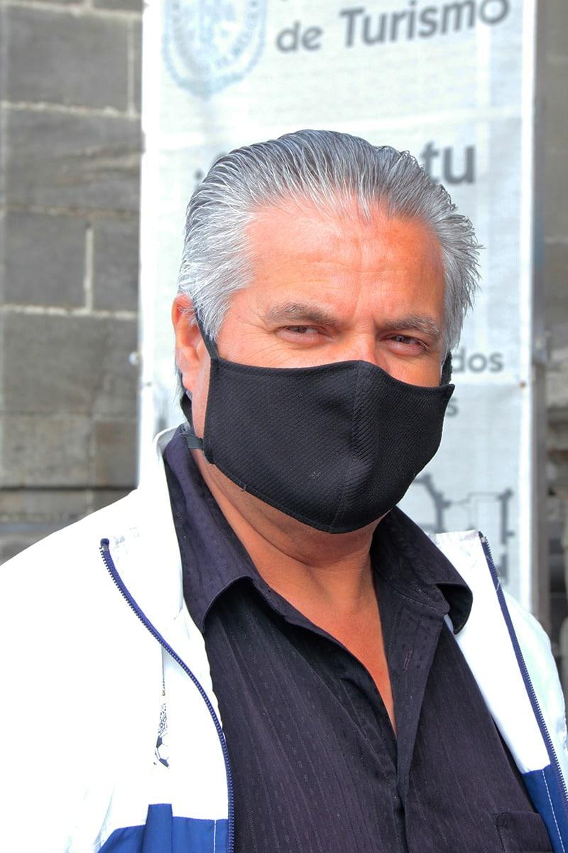 Miguel Ángel Jiménez, uno de los feligreses que acudió a la Misa presencial. Foto: Vladimir Alcántara/Desde la fe.