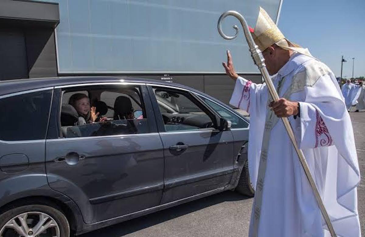 La Iglesia ha buscado formas de acercarse a los fieles durante la pandemia de COVID-19. Foto: Especial