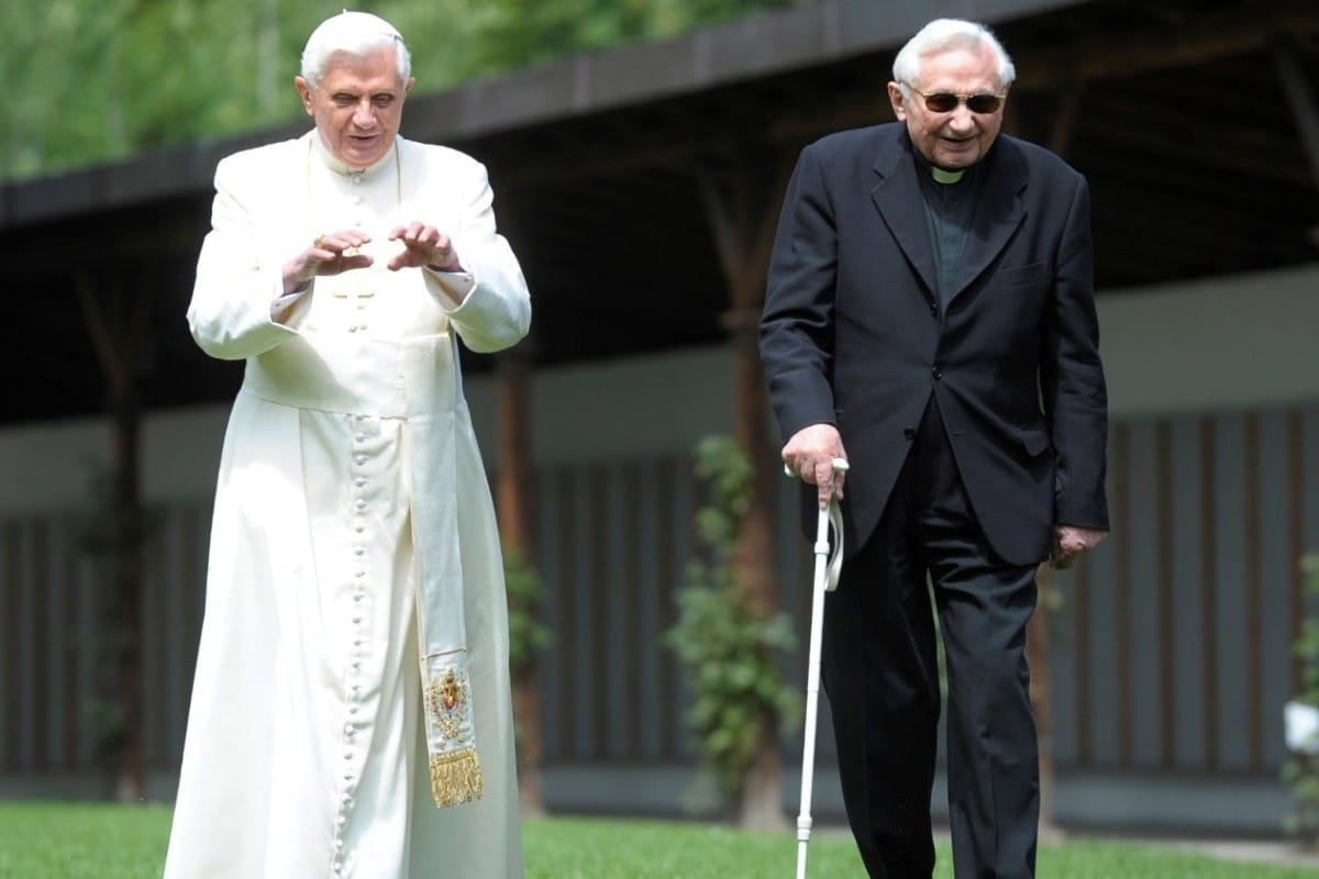 Benedicto XVI y su hermano Georg. Foto: Vatican Media.