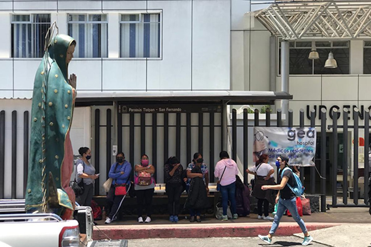 La imagen de la Virgen de Guadalupe en las afueras del Hospital GEA González. Foto: Unión de Voluntades