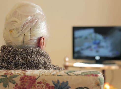 Si un adulto mayor no puede ir a Misa, ¿cómo enriquecer su vida de fe?