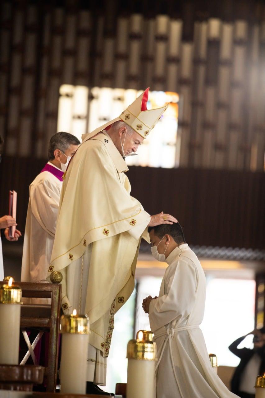 El Cardenal Aguiar ordenó a 5 nuevos diáconos transitorios. Foto: María Langarica