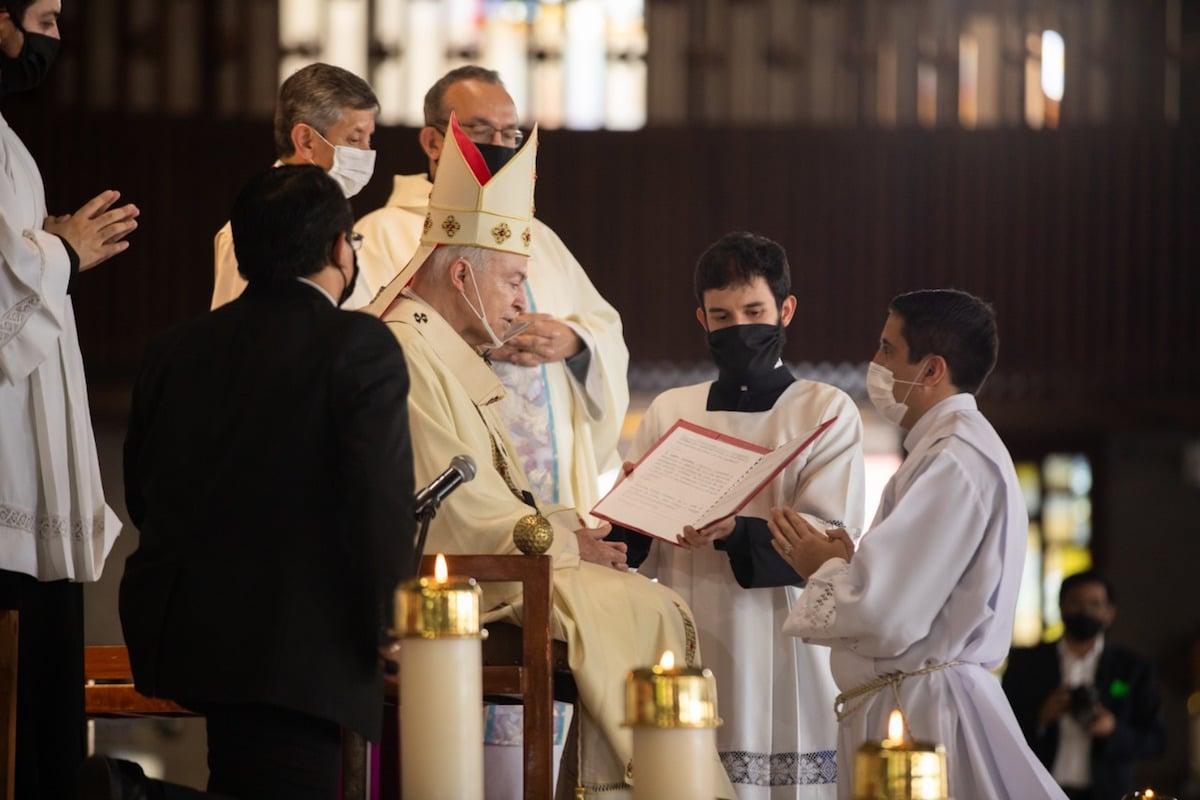 El Cardenal Aguiar en la ordenación de 5 nuevos diáconos. Foto: María Langarica