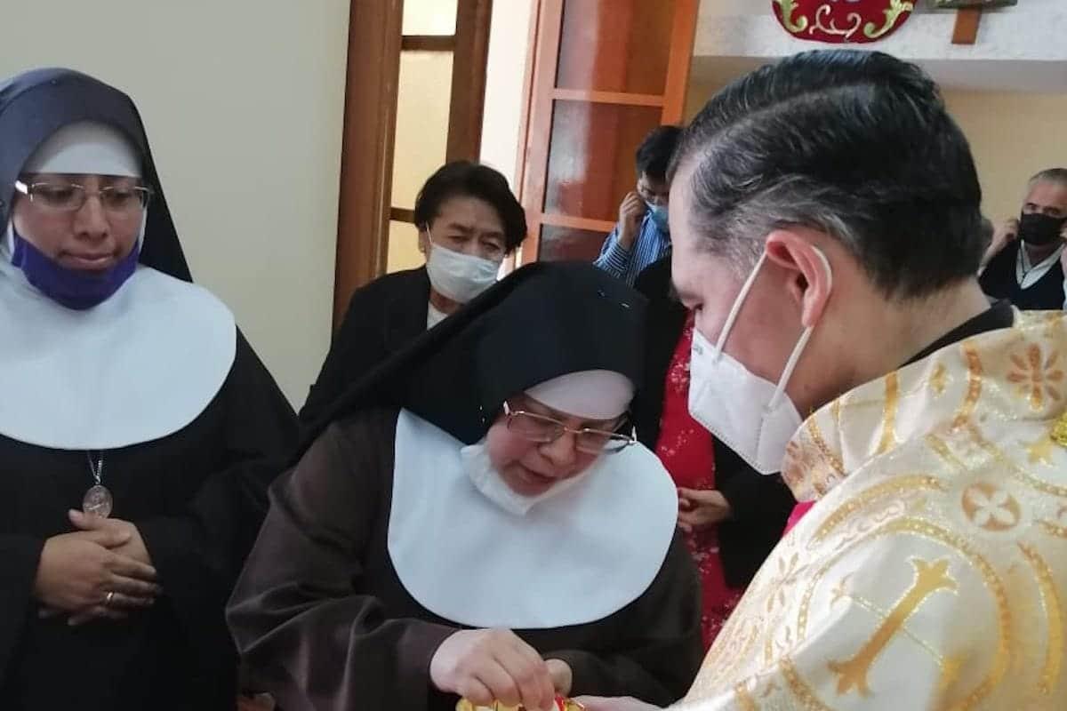 Monseñor Samaniego celebró la Misa por el 100 aniversario de las Clarisas Capuchinas.