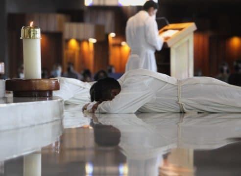 ¿Qué es un diácono y qué función ejercen en la Iglesia Católica?