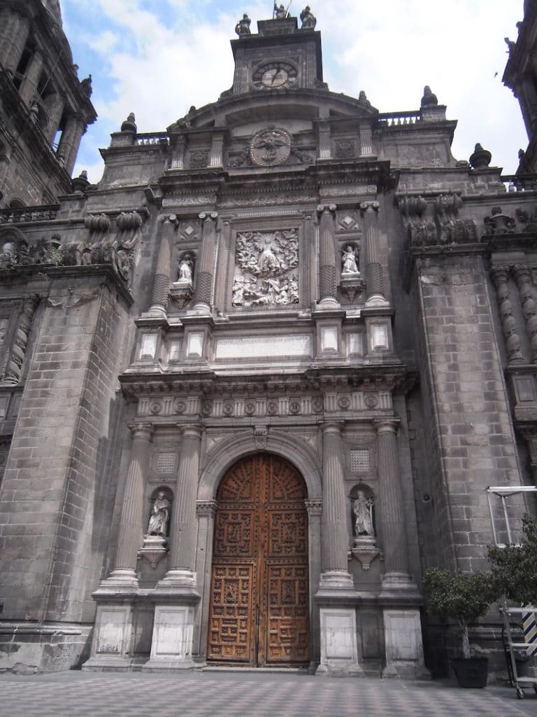 Detalle de la fachada de la Catedral de México. Foto: Wikpedia Commons