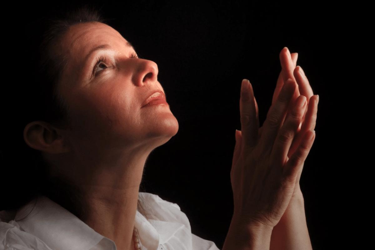Si se agrede y se pide con fe a Dios, Él siempre escuchará. Foto: Cathopic