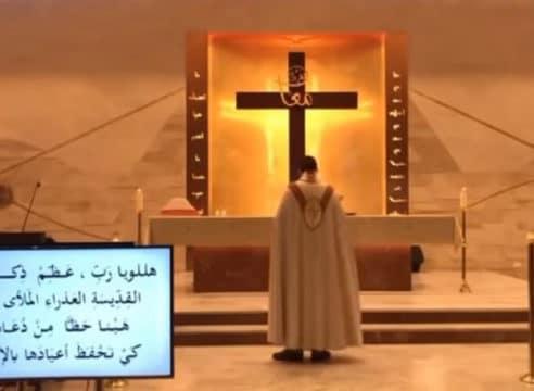 Explosión en Líbano afecta a sacerdote en Misa; hay daños en iglesias