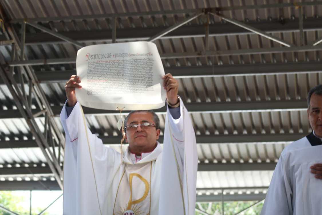 Monseñor Joel Ocampo el día de su ordenación episcopal. Foto: Periódico Siglo XX