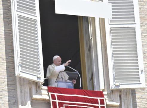 Papa Francisco: El consumismo ha secuestrado la Navidad