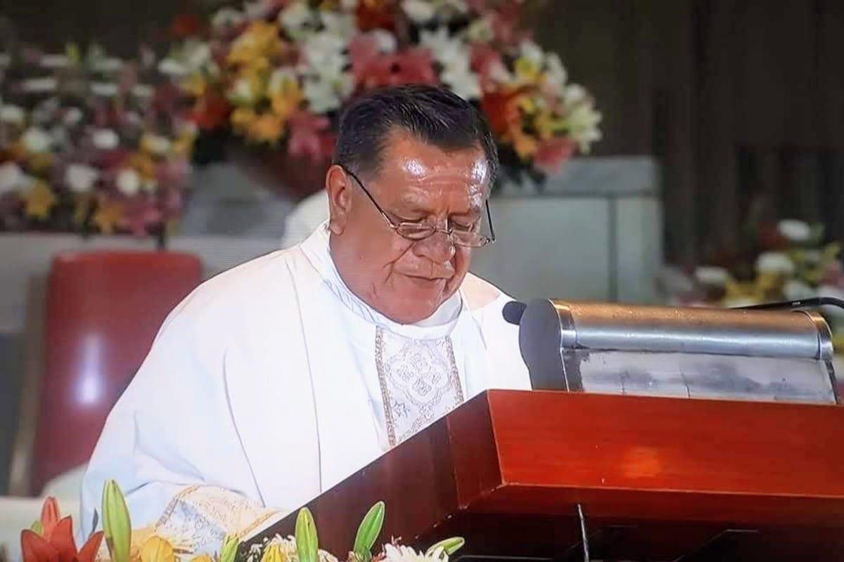 El diácono Rafael Parra en la Basílica de Guadalupe. Foto: Cortesía.