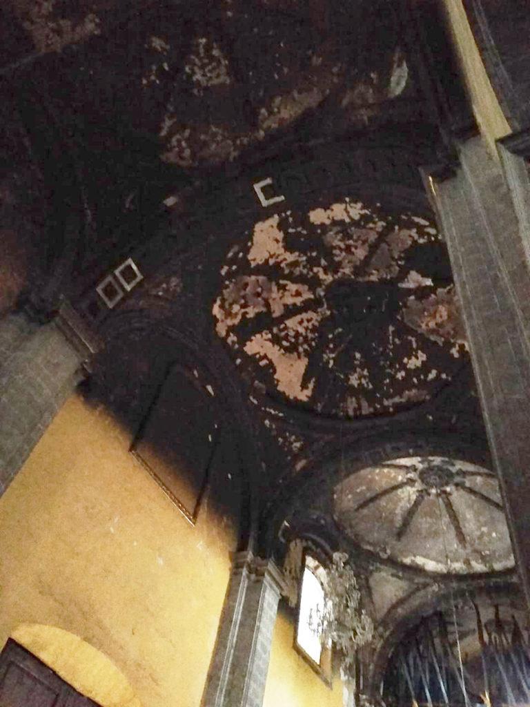 Parte de los daños en la iglesia de la Santa Veracruz. Foto: Desde la fe.