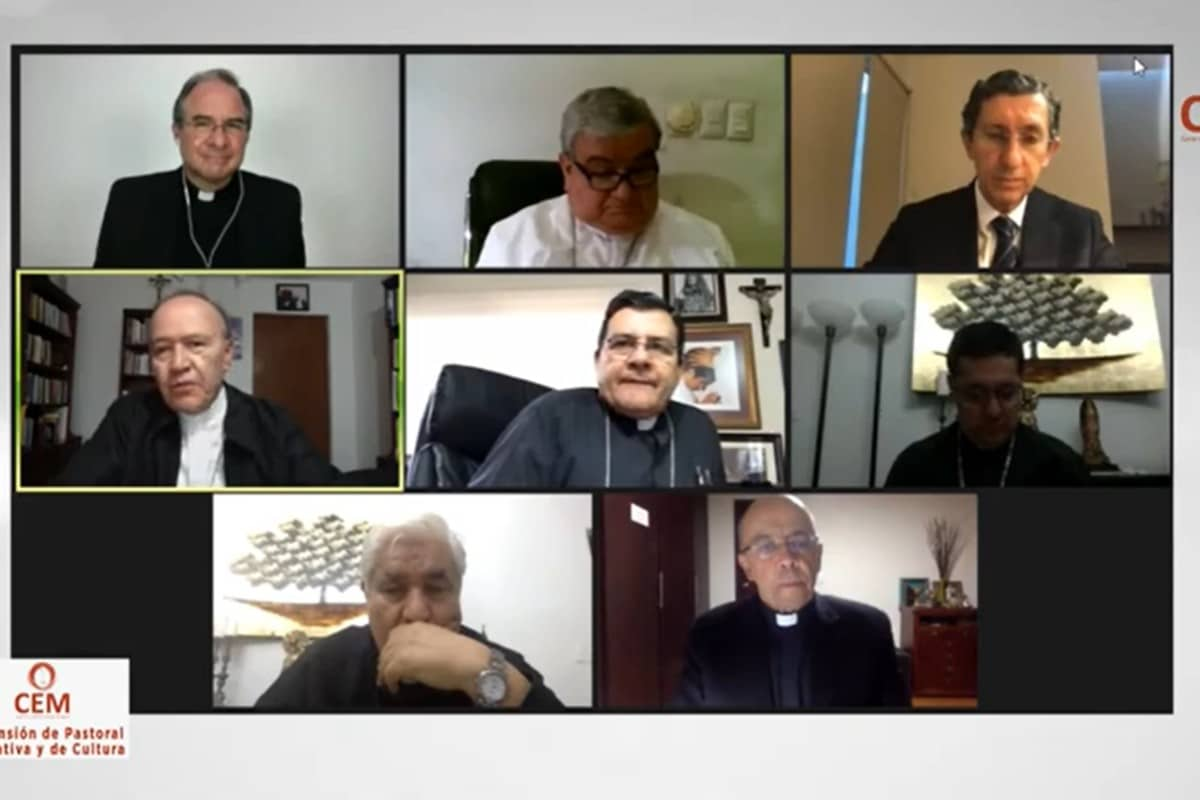 Una reunión del Encuentro con los Obispos.