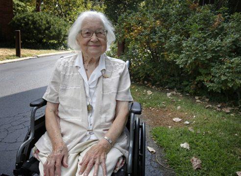 Con 107 años, esta religiosa benedictina ha sobrevivido a dos pandemias