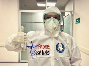 Padre mexicano escribe libro sobre COVID-19 con prólogo del Papa