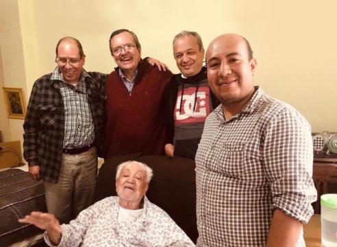 A sus 98 años, el padre José Olivares agradece a Dios 3 cosas en la vida