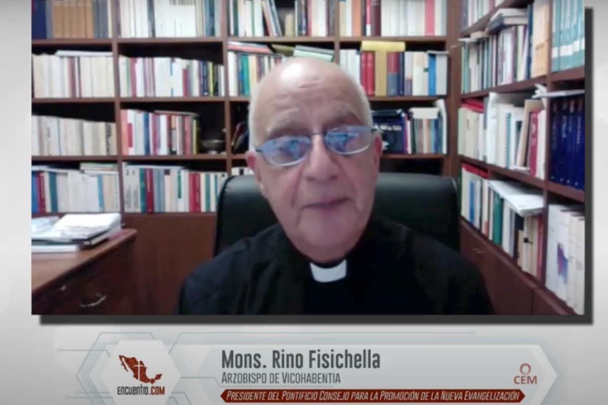 Rino Fisichella en su ponencia en el Encuentro con los Obispos.