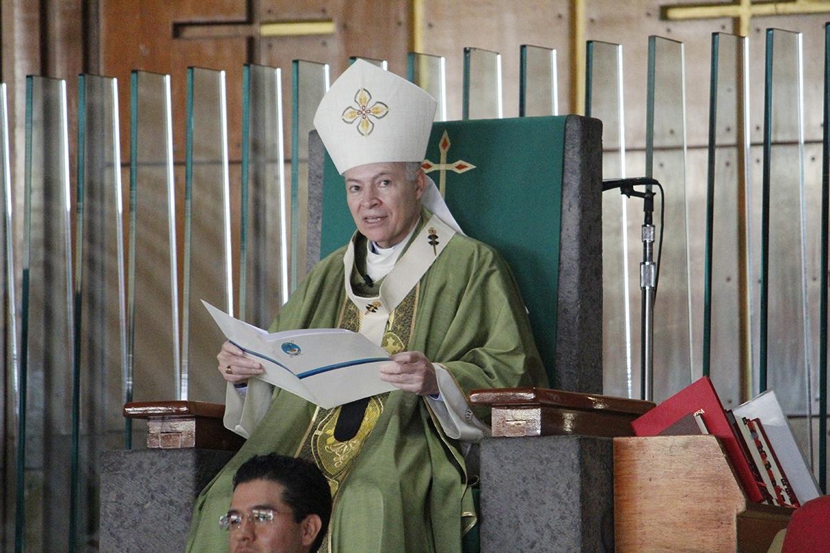 El Arzobispo Carlos Aguiar preside la Misa dominical. Foto: Basílica de Guadalupe/Cortesía.
