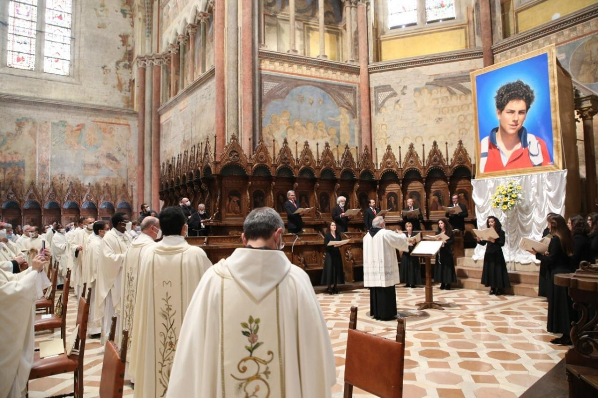 Misa de beatificación de Carlo Acutis. Foto: Basílica de San Francisco de Asís.