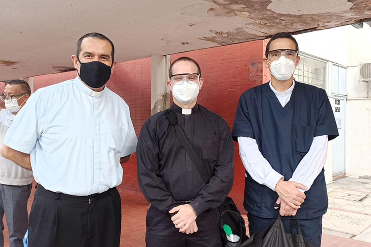 Los capellanes COVID de la Arquidiócesis Primada de México. Foto: P. Roberto Funes/Facebook