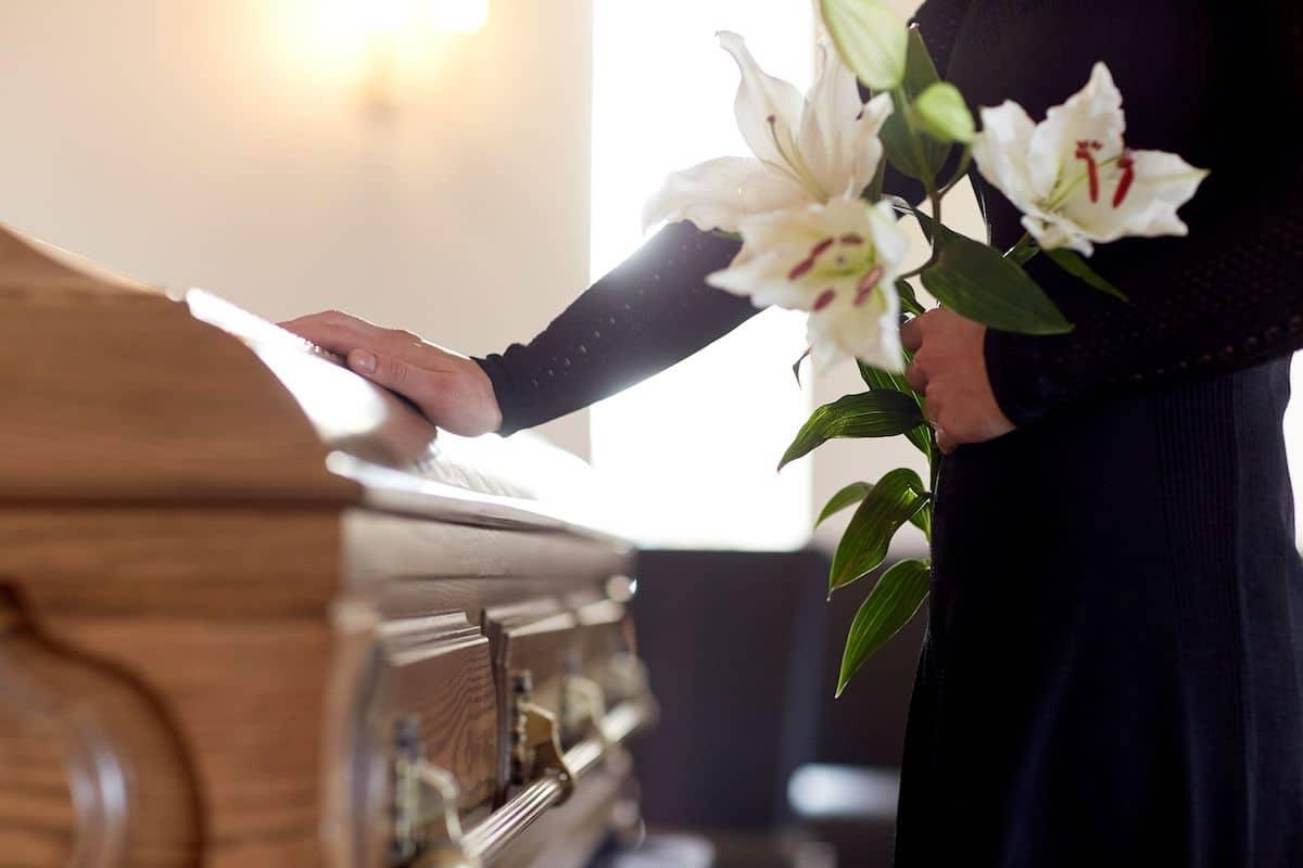 La muerte de un ser querido deja un profundo vacío. ¿Es igual para el creyente?