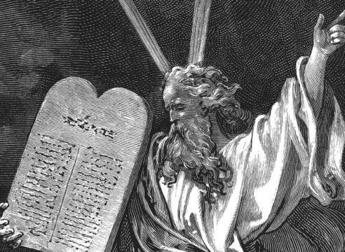 Los 10 Mandamientos, ¿cuáles son y en qué consisten?