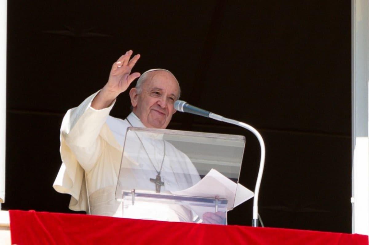 El Papa Francisco en el Ángelus del 18 de octubre de 2020. Foto: Vatican Media.