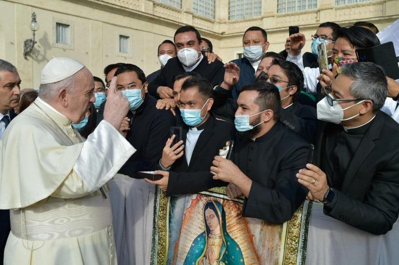 Estudiantes del Pontificio Colegio Mexicano saludaron al Papa Francisco. Foto: Cortesía.