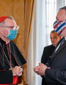 El Papa niega audiencia a enviado de Trump para no influir en elecciones