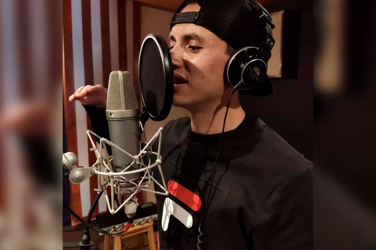En menos de 24 horas, Eder compuso el rap de la Megamisión. Foto: Cortesía Eder Chávez