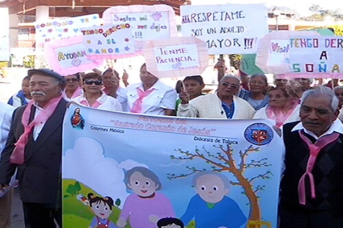 Adultos mayores antes de la pandemia. Foto: Cortesía/Funbam