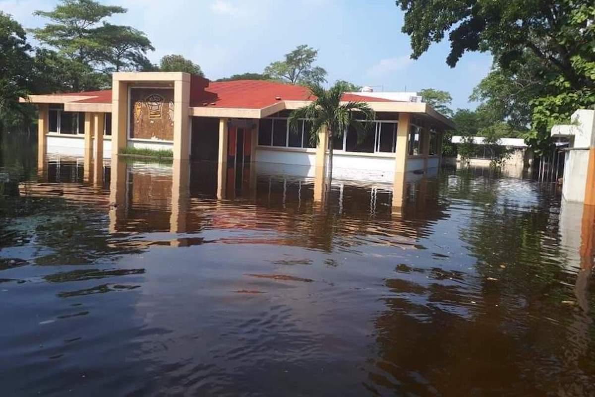 Así se ve el Seminario de Tabasco tras inundaciones por el ciclón Eta