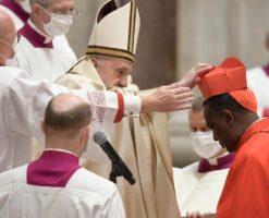 El Papa Francisco creó a 13 nuevos cardenales de la Iglesia