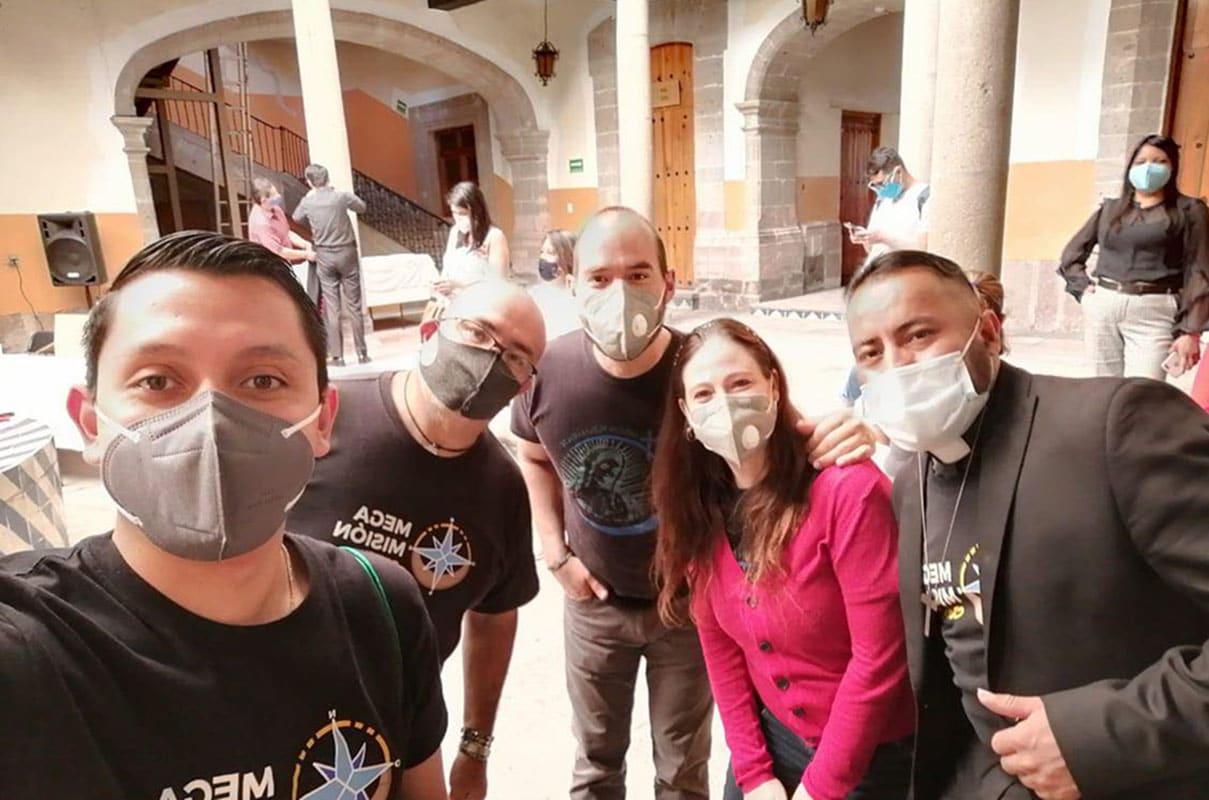 Algunos de los organizadores de la Megamisión 2020 en el cierre de actividades.