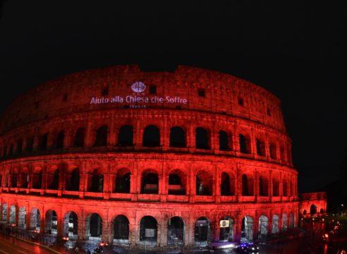 Monumentos se iluminarán de rojo por los cristianos perseguidos
