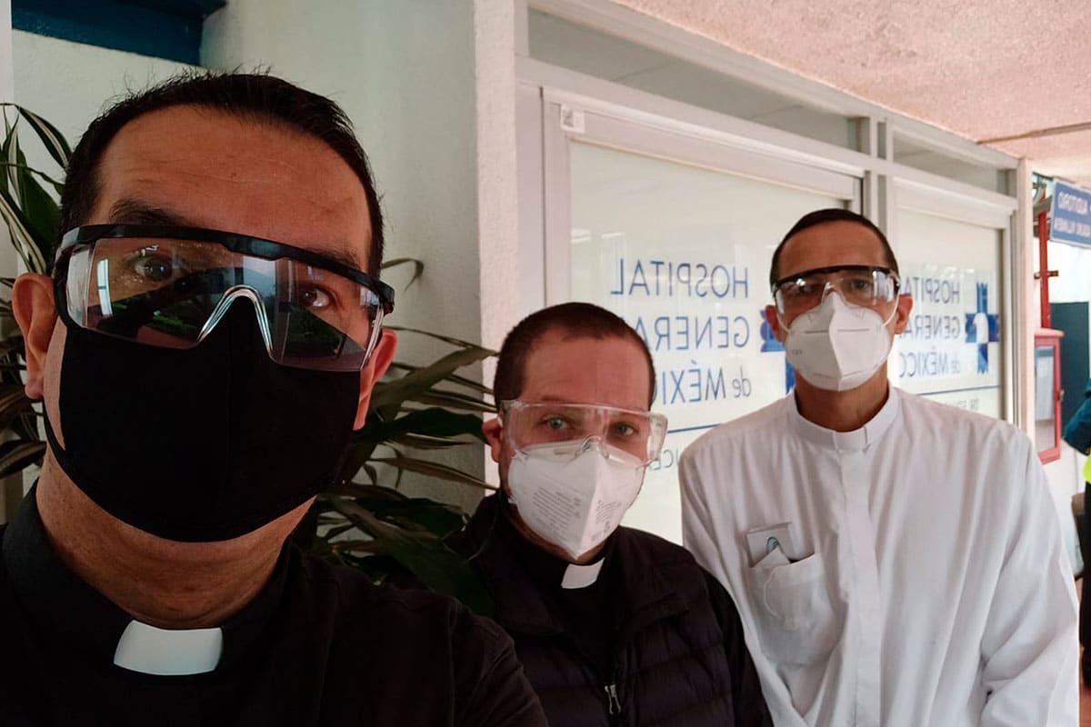 Padres Roberto Funes, Andrés Esteban López y Adrián Lozano. Foto: Cortesía.